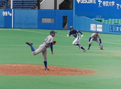 住友金属鹿島は、加賀、山崎、川畑、長岡と継投です。<br />写真は、川畑投手。