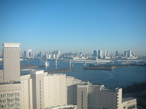 目の前のホテル日航がちょい邪魔だけど(笑)、<br />それでもやっぱり眺めは素晴らしい!!
