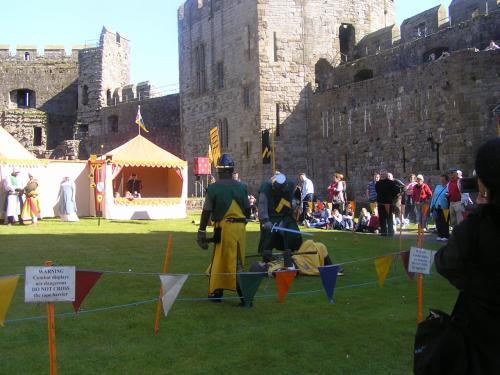 イースターということもあり、城の中では中世の戦士が戦うイベントが行われていました。