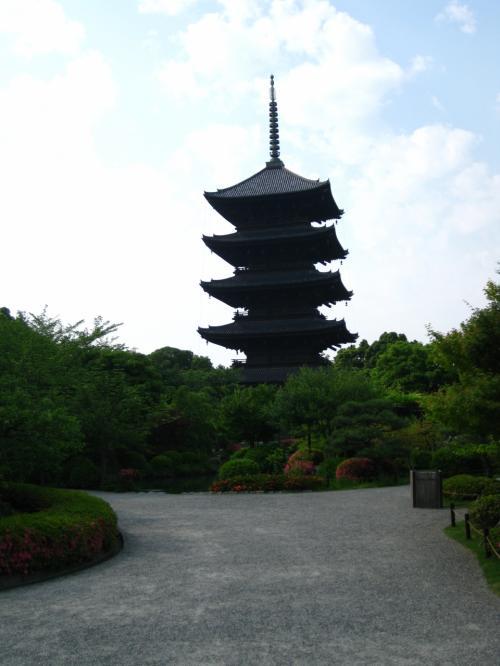 京都駅から清水寺とか金閣まではちょっと距離がありますが、<br />この辺りであれば、<br />京都駅から気軽に足を運ぶことができます。<br /><br />たまたま京都駅に立ち寄ることがあれば、<br />(↑どんなシチュエーション??)<br />行ってみてはいかがでしょうか。