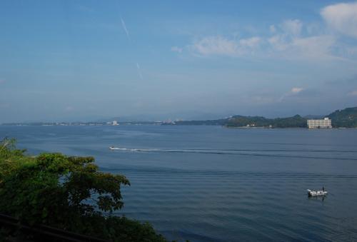 駒門、小笠のPAで休憩して、浜名湖SAでも休憩しました。良い景色ですな。<br />実家の近くです。