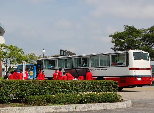 岡崎到着。<br /><br />トヨタの選手のバスも到着しました。