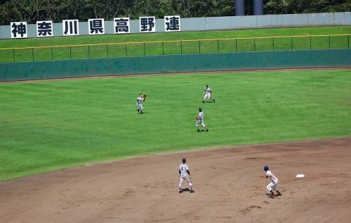 ふらふらっと上がった打球。