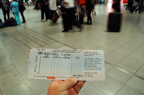 ベルギー国鉄の十回回数券を購入。