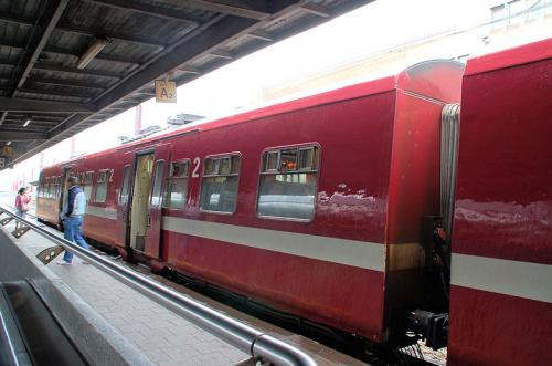 これから乗車するアムステルダム行きの列車。EU加盟国はパスポートの提示なしに自由に行き来できるので、国を超えた列車も走っている。