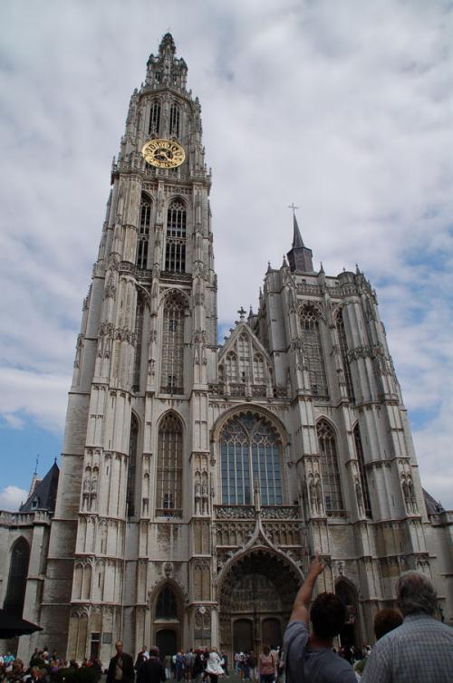 目的のノートルダム大聖堂。