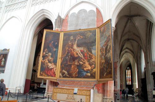 ルーベンスの描いた「キリスト昇架」。ネロ少年が見たかった絵画の一つ。
