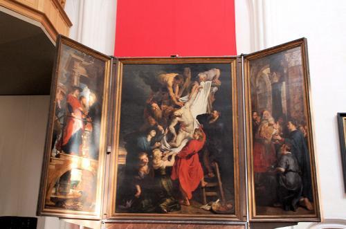 ルーベンスの描いた「キリスト降架」。ネロ少年が見たかった絵画の一つ。