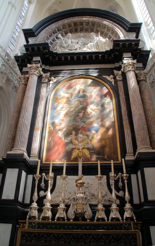 ネロ少年がかつて見て感動していたルーベンスの描いた「聖母被昇天」。