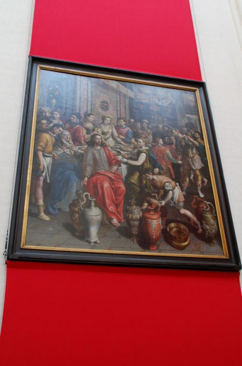 他にもたくさんの宗教画が飾られている。