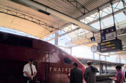 タリスは、ドイツのケルンとフランスのパリを結ぶ国際高速列車。