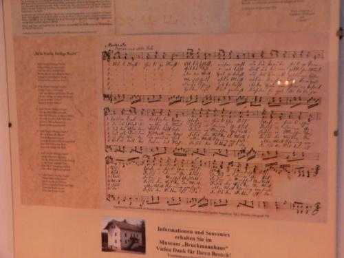 楽譜が壁にかざってありました。