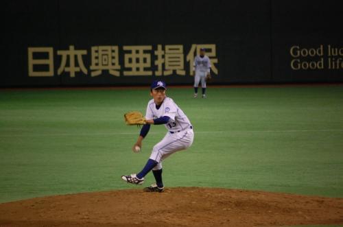 25日は、NTT東日本の試合を、伯和ビクトリーズのベンチ上から見ました。<br />(自称:ちふりんシート)<br /><br />NTT東日本の黒田投手の変幻自在の投球。