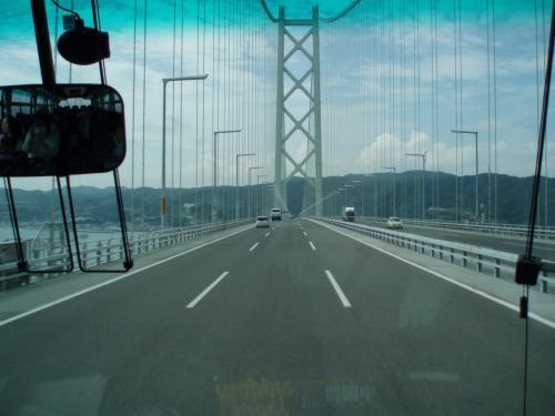 明石海峡大橋。<br />向こうにみえるのは、淡路島。<br />