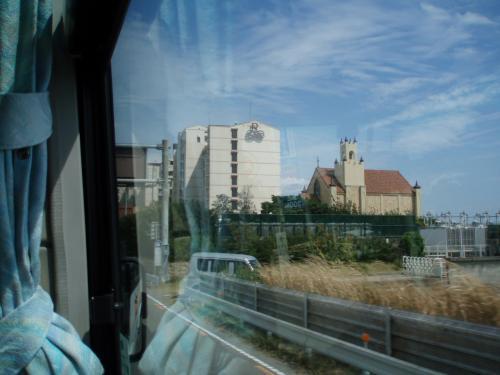 2時間ドラマで淡路島が出ると必ずと言ってもいいくらい登場するのがこのルネッサンスホテルだそうです。