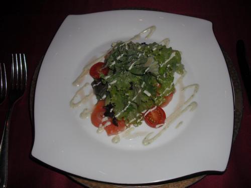 前菜「ノルウエーサーモンの自家製マリネと高原野菜のサラダ」Good.