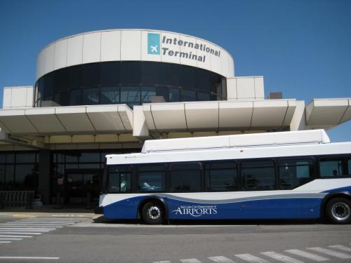 ソルトレイクシティー空港は約30℃。<br />からっとした天気だ。
