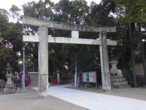 九州で一番古い石の鳥居らしい。