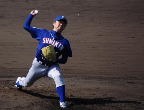 住友金属鹿島の先発は、石田祐介投手。<br /><br />美しいフォームです。