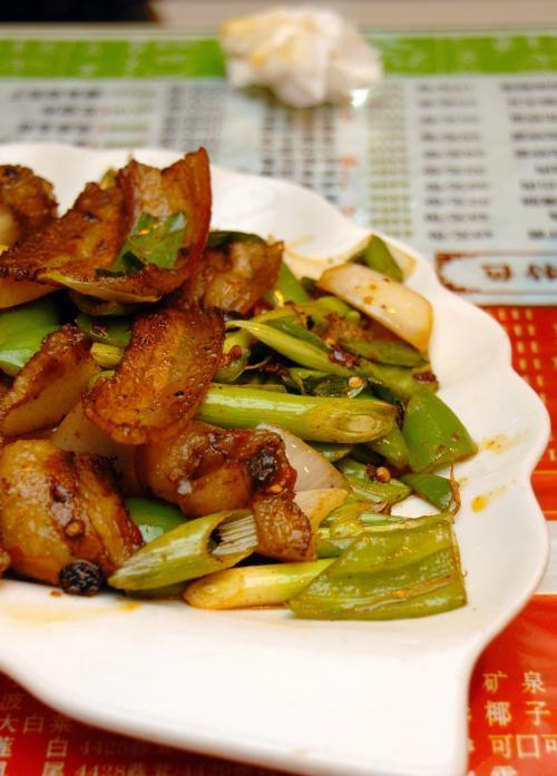 回鍋肉。<br /><br />これは四川料理の定番家庭料理。<br />全部なかなかの出来でした・・・・・・が、、、<br />