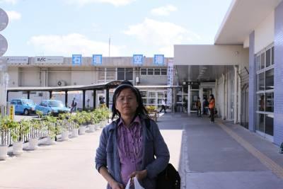 石垣空港に到着。<br />途中、普通のアンケートに加え、特別のモニターアンケートにも記入。<br /><br />今度石垣島に来れるのは何時か。今度は黒島でゆっくりしたい。