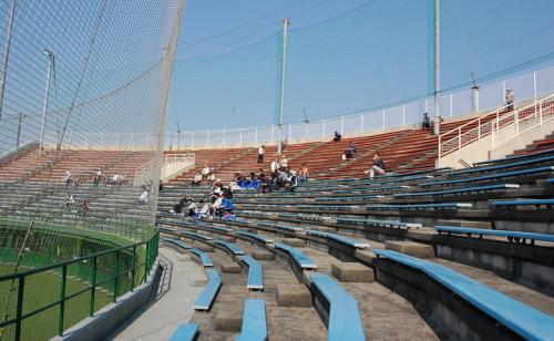 大垣北公園野球場です。<br /><br />昨年、リニューアルしたとか?<br />スコアボードには、大垣市の市章が描かれていました。