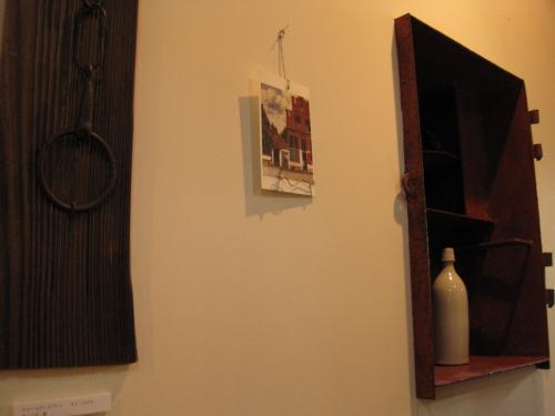 ご主人が工房で家具に新しい命を入れて作られた作品<br /><br />の数々。<br /><br />見とれてしまいます。