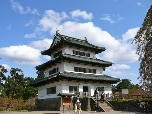 本丸から見た弘前城天守