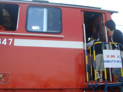 DD51ディーゼル機関車の運転席に入る事が出来ました。
