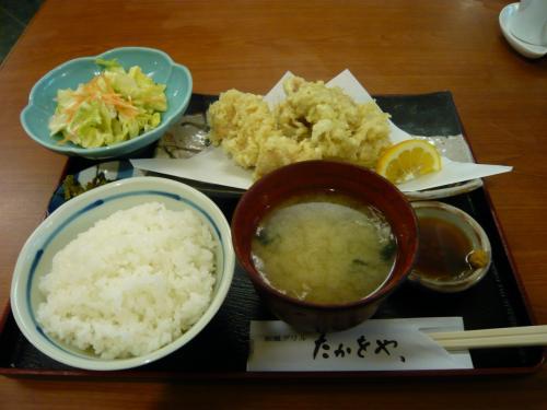 大分名物の「とり天定食」<br /><br />ん〜1,000円以下だった気がします。