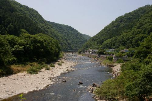 武田尾駅から約1km。<br />直角におおきく曲がるコースにて