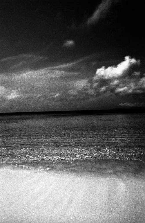 八重山諸島の人たちは、ほんとうにやさしい。<br />のんびりしているとか、フレンドリーとか、そんなことではなく(もちろんそれもあるのだけれど)、もっと深いところで、根本的に人をもてなす心を持っているのだと思う。