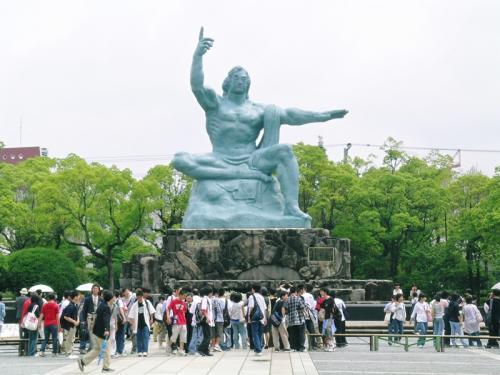 5月30日<br /><br />長崎の平和記念公園の平和祈念像  ものすごく蒸し暑い日でした。