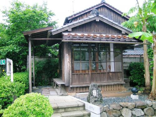 長崎市上野町にある質素な庵「如己堂」<br />長崎市名誉市民第1号となった医学博士永井隆(1908-1951)が晩年(1948〜)移り住んだ2畳一間の家