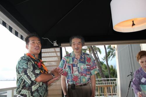 JCOと提携している米国財団法人:野口医学研究所理事長でありハワイ大学医学部外科教授の町 淳二先生にご多忙中修了式にご出席を頂き、町理事長から野口医学研究所修了書が各自に渡されました。<br />