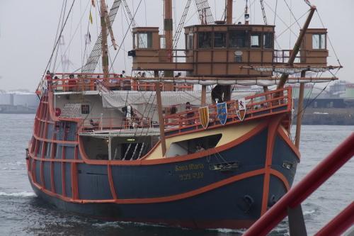 遊覧船のサンタマリア号