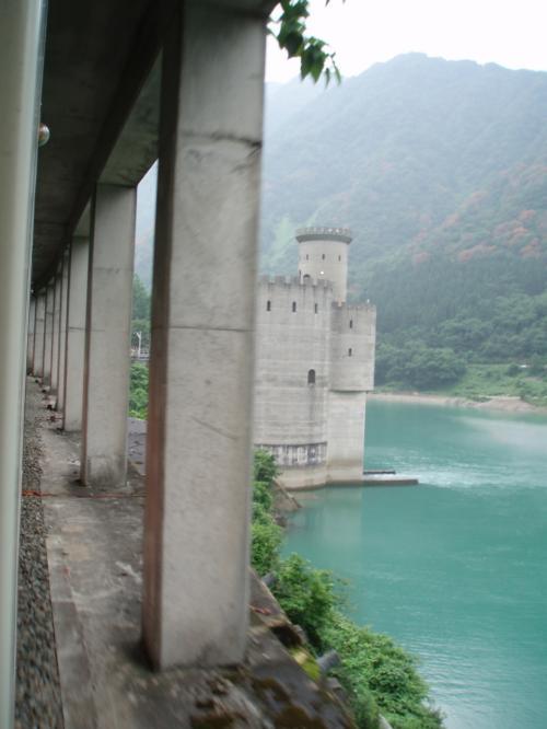 『わぁー、お城みたい!』<br />って、言ってたら。<br /><br />お城を模造して作ったそうです。<br />タレントガイドさんが言ってました。