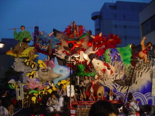 明日からの合同運行では、武者行列や獅子舞、虎舞も練り歩きます。