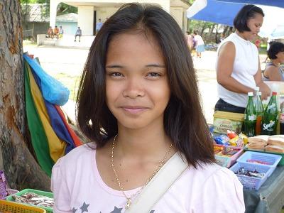 パングラオ島の高校生。小学生かと思いました。