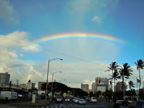 更にはハワイでいつも見る虹もあるなあ〜。良き滞在を見守ってくれそうだ!