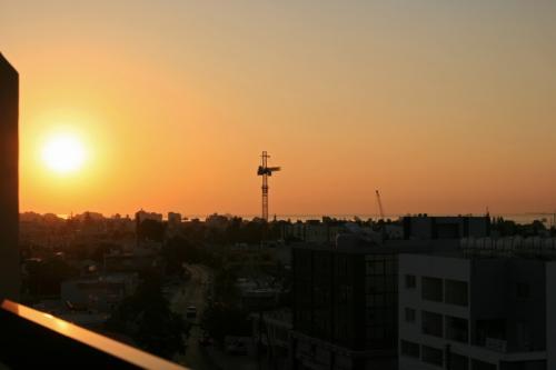 まだ時差ボケも残っているせいか早起きがなにより苦手な私が朝陽がのぼりはじめる早朝に目が覚めた。<br />旅行2日目としてはいい感じ!なにせ早くもキプロス滞在は今日がLast Dayですからね!<br /><br />