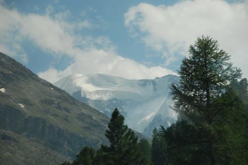 モルテラッチ氷河。<br /><br />この旅行で、何度も見ましたが、これで見納め。
