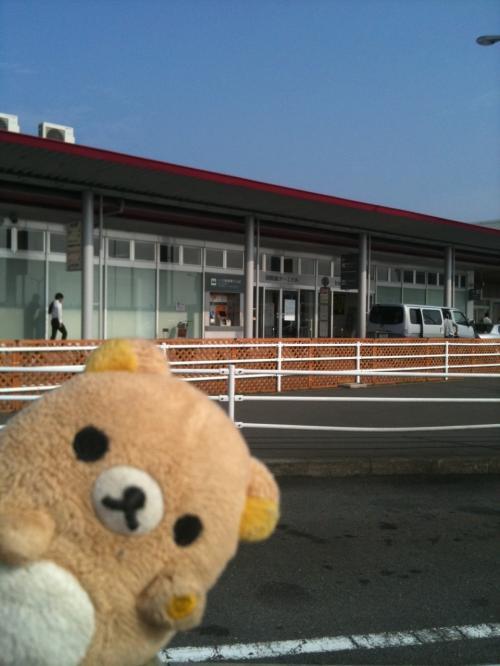 羽田の古い国際線ターミナルです。<br /><br />どこぞの地方空港!?ってくらいショボいですが、ソウルへはいつもここから出発していました。<br /><br />最後の最後でここから飛びたてたことは思い出に残るでせう。