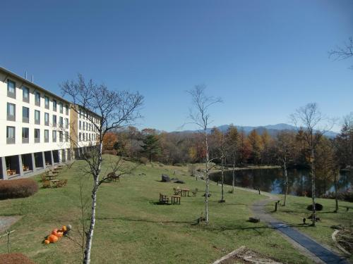 「清里高原ホテル」(写真)は私の好きなホテルで何度も泊まったことがある。http://4travel.jp/traveler/funasan/album/10159224/