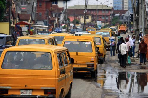 市内の幹線はこんな交通渋滞