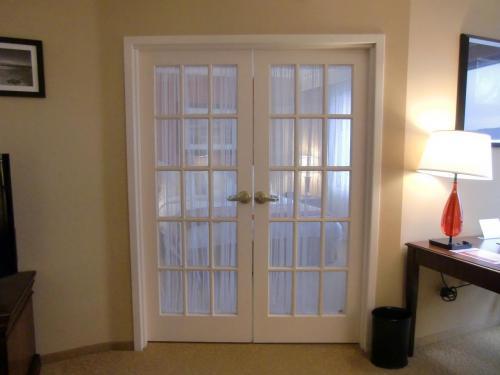 リビングルームの大きな扉(写真)を開けると‥‥