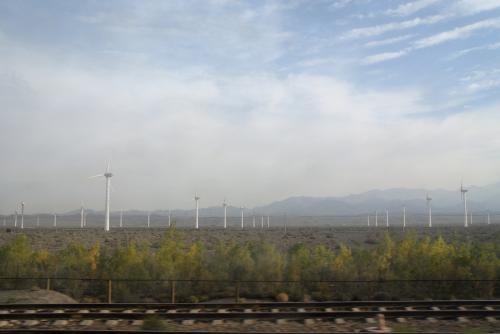このセクシー風車、沢山並ぶと、なかなかアングルが決まらないんですよね・・・<br />