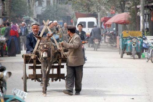単車じゃなくて、こんな驢馬車だったら、もう少し間にあったでしょうね。
