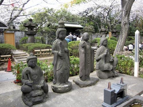その脇の「四菩薩像」
