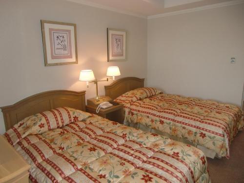 本日の部屋は3階の洋室(写真)。ルームチャージ8000円。この値段はルームチャージ制の全エクシブ中での最低料金である。